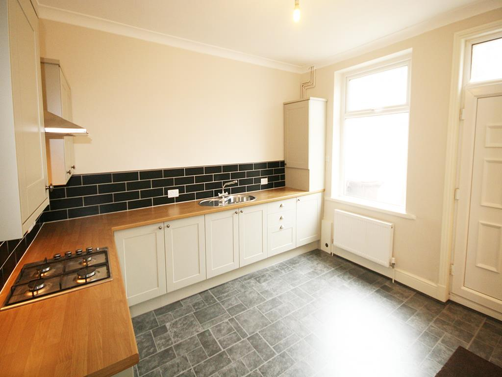 2 bedroom mid terrace house To Let in Earby - Property photograph